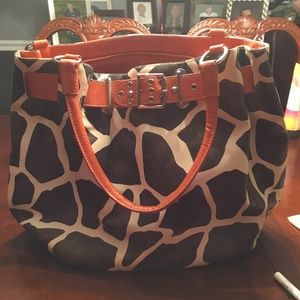 GIRAFFE STYLE PRINT PURSE WITH ORANGE ACCENTS